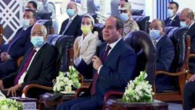 صورة السيسى.. هناك من يشكك المصريين فى ما يتم تنفيذة من مشروعات.