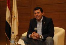 صورة وزير الرياضة يتحاور مع الشباب حول رؤية واستراتيجية الوزارة
