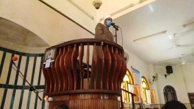 صورة د . عبد الرحمن نصار يؤدى خطبة الجمعة بمسجد ابى العباس المرسى.